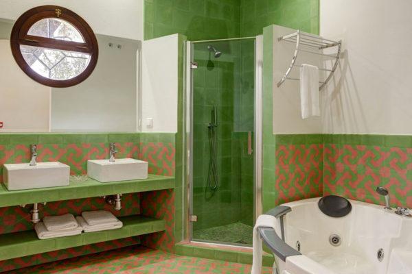 room1bathroom