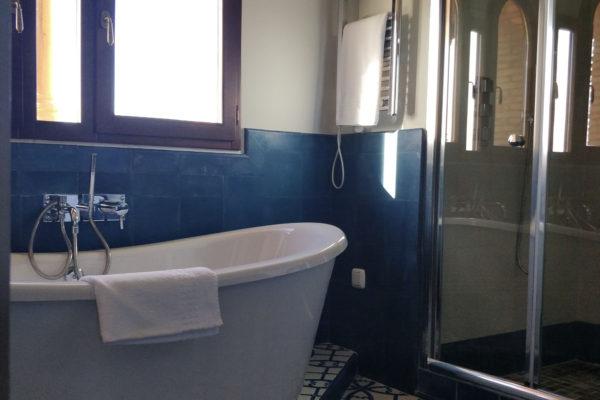bath10upper